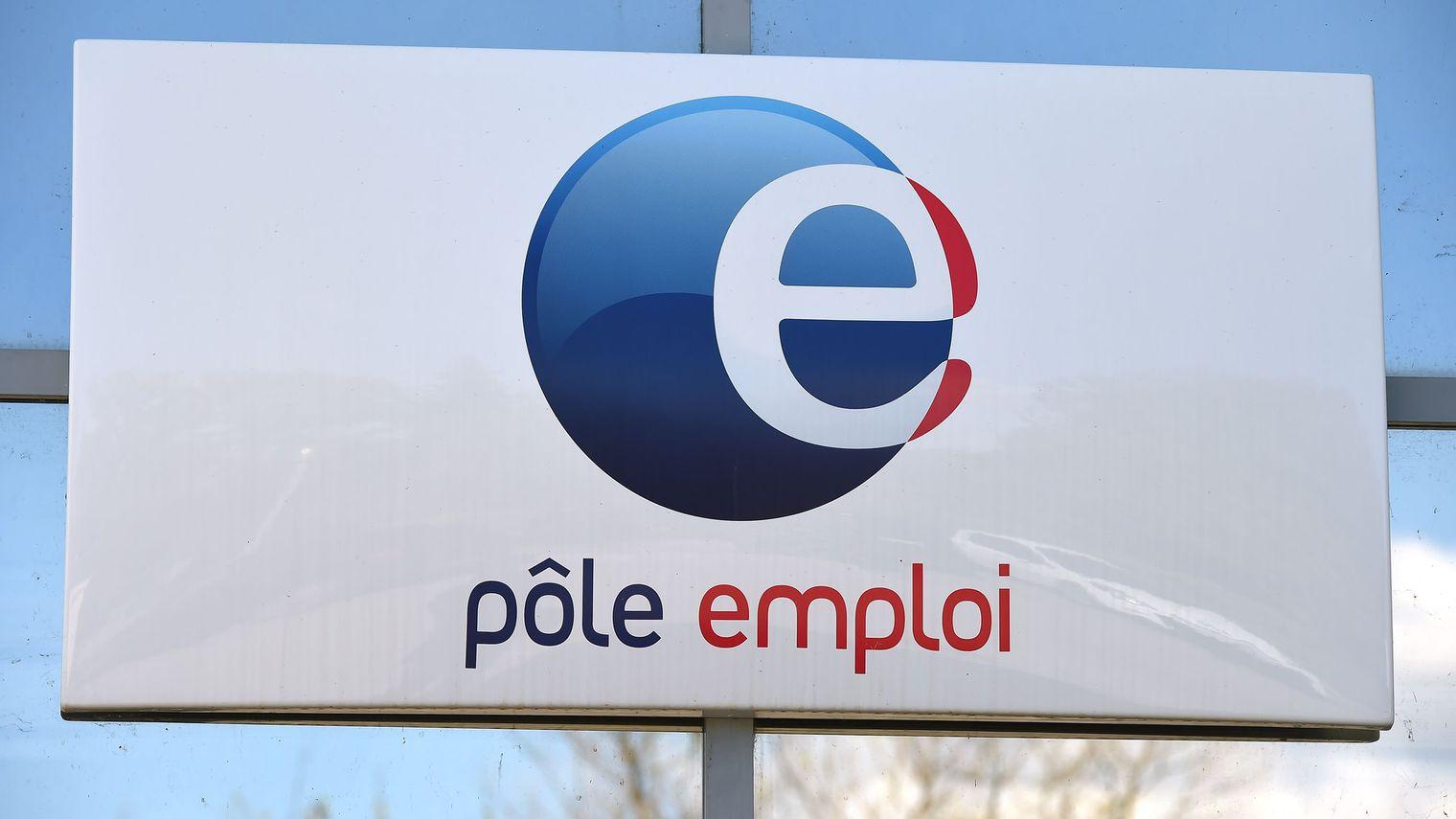 Eylüldeki sert düşüşten sonra, Pôle Emploi'ya kayıtlı olan işsiz sayısında Ekim ayında ( +8000, +%2) artış meydana geldi. Bu sayıların metropole kayıtlı kişiler için geçerli olduğunu Çalışma Bakanı bir açıklamasında duyurdu.