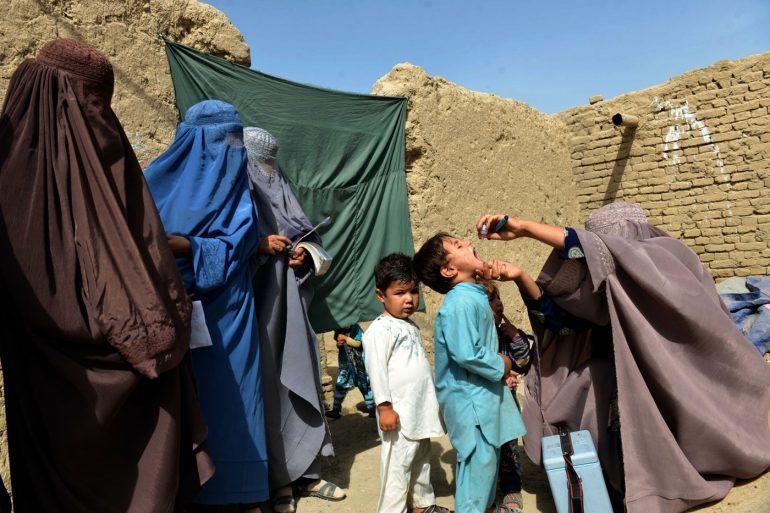 afganistan'da çocuk felci
