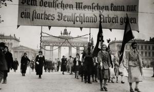 Berlin'de bir Nazi gösterisi