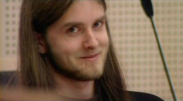 Varg Vikernes mahkeme salonunda, müzisyenin hükmü okunurken