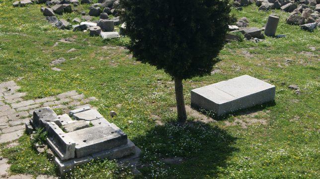 Humann'ın mezarı